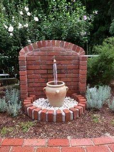 Diy Garden Fountains, Water Fountains, Fountain Garden, Pallets Garden, Pallet Gardening, Gardening Tips, Gardening Services, Garden Club, Back Gardens