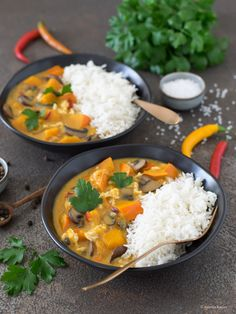 Kürbis-Curry mit Pilzen und Chinakohl Chutneys, Col China, Pasta Al Curry, Grands Pots, Pumpkin Curry, Red Chili Peppers, Cooking Sauces, Red Curry Paste, Stuffed Mushrooms