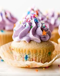 Soft and Fluffy Funfetti Cupcakes. Make the BEST funfetti cupcakes! From scratch soft and fluffy funfetti cupcakes with creamy vanilla buttercream and sprinkles! Funfetti Cupcake Recipe, Vanilla Cupcakes, Cupcake Recipes, Baking Recipes, Cupcake Cakes, Dessert Recipes, Vanilla Buttercream, Buttercream Recipe, Food Cakes