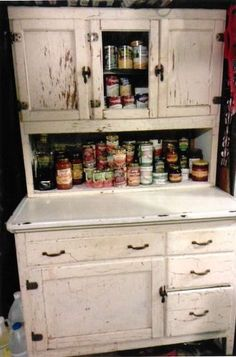 Hoosier~Sellers Cabinet How to fix up this hoosier-type cabinet Antique Hoosier Cabinet, Antique Cabinets, Diy Cabinets, Kitchen Cabinets, Craft Cabinet, Sewing Cabinet, Old Kitchen, Vintage Kitchen, Kitchen Ideas