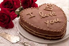 Heart cake - recipe Delicious Treat to make for Valentines! Sweet Recipes, Cake Recipes, Dessert Recipes, Desserts, Yummy Treats, Yummy Food, Chocolate Hearts, Yummy Cakes, Cupcake Cakes