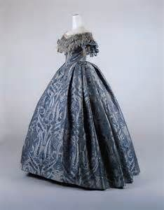 Late 1600s dress ball gown, late 1850.