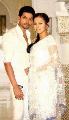 Love Couple, Best Couple, Gurmeet Choudhary, Drashti Dhami, Saree Dress, India, Couples, Wedding Dresses, Casual