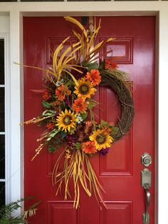 Grassy fall Autumn Wreaths For Front Door, Holiday Wreaths, Door Wreaths, Wreath Ideas, Diy Wreath, Fall Deco Mesh, Scarecrows, Fall Flowers, Fall Decorations