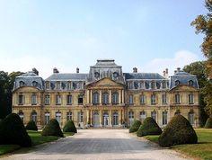 Château de Champlâtreux, Epinay-Champlâtreux, Val-d'Oise, Île-de-Franc, France. - www.castlesandmanorhouses.com