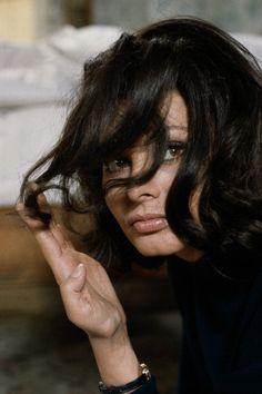 Sophia Loren = all of the goals.