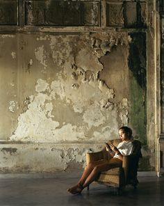 Marisol, Casa Verde, Miramar by Andrew Moore Wabi Sabi, Andrew Moore, Urbane Fotografie, Cuban People, Viva Cuba, Environmental Portraits, Steve Mccurry, Havana Cuba, Girl Reading