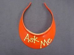 "Cute idea: Two students (rotated weekly) get to wear these hats during centers, when the teacher is working with small groups. If they can't answer the question, then only these students may come to the teacher. Sort of a play on ""ask three, then me"" Classroom Behavior Management, Classroom Organisation, Classroom Design, School Classroom, Classroom Ideas, Classroom Routines, Organisation Ideas, Behaviour Management, Classroom Inspiration"