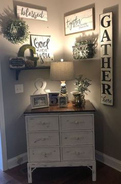 If you are looking for Rustic Farmhouse Living Room Decor Ideas, You come to the right place. Here are the Rustic Farmhouse Living Room Decor Idea. Diy Living Room Decor, Home Living Room, Apartment Living, Diy Home Decor, Bedroom Decor, How To Decorate Living Room Walls, Dining Wall Decor Ideas, Living Room Decorations, Living Room Decorating Ideas