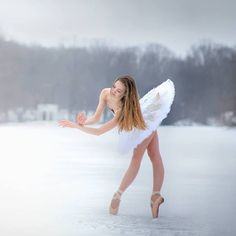 Perfect #tututuesday photo by @ponsphoto on this snowy day in North Carolina❄️ #dqdesignstutu #luisponsphotography