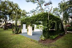 """Whimsical & rustic wedding venue in the heart of Orlando, FL. Say """"I do"""" under the stars & take your pick from any of our locations on the property."""