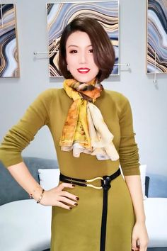 Ways To Tie Scarves, Ways To Wear A Scarf, How To Wear Scarves, Scarf Wearing Styles, Scarf Styles, Fashion Sewing, Diy Fashion, Fashion Outfits, Scarf Knots