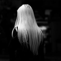 Her hair was white like she'd seen a ghost Thranduil, Ukitake Bleach, Elf Rogue, Snk Annie, Ai No Kusabi, The Ancient Magus Bride, Slytherin Aesthetic, Throne Of Glass, The Hobbit