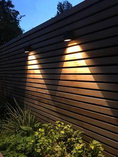 """Wandverlichting """"L-wall"""" voor het aanlichten van een houten schutting. Creëer mooi effecten en sfeervolle tuin met deze verlichting. Blinds, Modern Design, Curtains, Home Decor, Lush, Decoration Home, Room Decor, Shades Blinds, Contemporary Design"""