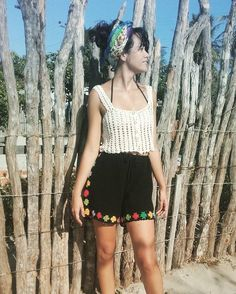 Crochet flower shorts & button crop. Handmade. 100% cotton. @Nativacrochet