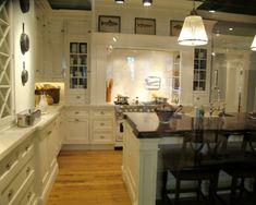 100 Küchen Designs – Möbel, Arbeitsplatten und zahlreiche Einrichtungslösungen - küchenbereich traditionell warm gemütlich einrichtung