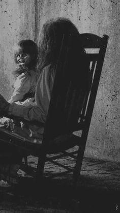 10 Lesser Known Found Footage Horror Movies You Can Stream Right Now — Strange Harbors Creepy Images, Creepy Pictures, Creepy Art, Creepy Dolls, Horror Photography, Dark Photography, Halloween Vintage, Diy Halloween, Arte Horror