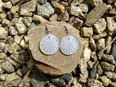 Hot Glue Jewelry Using Glass Dishes as Molds - TheStudio By AdTech – Hot Glue Jewelry Using Glass Dishes as Molds You are in the right place abou - Glass Earrings, Diy Earrings, Glass Jewelry, Charm Jewelry, Jewelry Crafts, Gun Jewelry, Jewelry Ideas, Glue Art, Glue Gun Crafts
