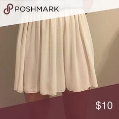 White American Apparel skirt White American Apparel skirt with stretch waist band. American Apparel Skirts Mini