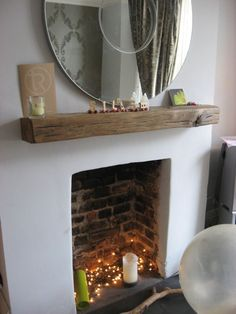 Great Pictures open Fireplace Hearth Tips A mantlepiece made from an old railway sleeper Empty Fireplace Ideas, Unused Fireplace, Living Room Decor Fireplace, Home Living Room, Living Room Designs, Fireplace Decorations, Simple Fireplace, Fake Fireplace, Fireplace Shelves