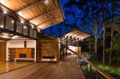Thiết Kế Thi Công Nhà Tiền Chế Trên Đất Đồi Núi Tiny House Cabin, Cabin Homes, My House, Bali House, Getaway Cabins, Design Strategy, Pergola Designs, Cabana, Country Decor