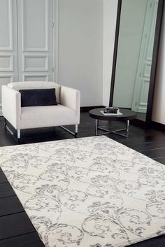 The Chelsea collection brings together a mix of the best quality wool with high end polyester to create a range of modern rugs with a silky look and a soft touch.   The pile surface has subtle ribbed finish and the beautiful contemporary designs give an elegant look with a neutral monochrome colour palette that will suit all types of modern interior decor.