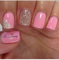 Give style to your fingertips using nail art designs.- Give style to your fingertips using nail art designs. Used by fashionable stars, these types of nail designs can incorporate immediate style to your apparel. Fancy Nails, Trendy Nails, Love Nails, Pink Nails, My Nails, Gradient Nails, Valentine's Day Nail Designs, Heart Nail Designs, Pedicure Designs
