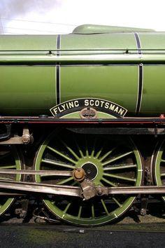 English steam train The Flying Scotsman ~ Photo by.Bing Images via Shawn By Train, Train Tracks, Diesel, Flying Scotsman, Steam Railway, Old Trains, Train Engines, Steam Locomotive, Electric Locomotive