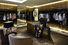 Hyper luxury meets design in the new Fendi Paris Flagship Store opened in Paris, n° 51 Avenue Montaigne.