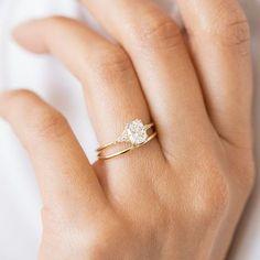 narimandc Popular Engagement Rings, Dream Engagement Rings, Vintage Engagement Rings, Delicate Engagement Ring, Diamond Cluster Engagement Ring, Solitaire Engagement, Cushion Cut Diamonds, Ring Verlobung, Dream Ring