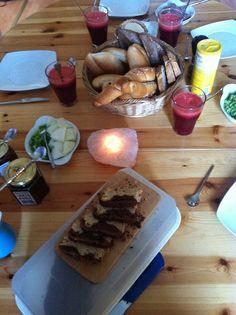 So kann ein Frühstück´s Tisch bei Veganern aussehen...