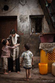 """An Afternoon in Dharavi"" by ian mylam, via 500px."