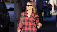 To get an idea and rock the tartan trend take a look at some interesting checkered outfit combos presented below! Street Style 2014, Street Style Looks, Street Styles, Urban Apparel, Moda Streetwear, Streetwear Fashion, Urban Fashion, Look Fashion, Plaid Fashion