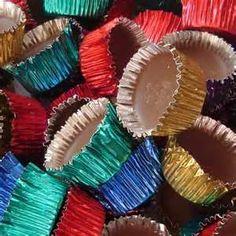Je me rappelle de ces chocolats dans une petite coupe d'aluminium.