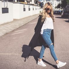 #ShareIG Street style ✔️J'aime beaucoup ce Look ⚪️ [@skopljak]