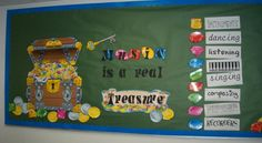 Bulletin Boards for the Music Classroom.  That can be adapted to English is a real treasure, don't you think?