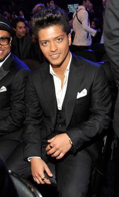 Damn!Hes so fine!!!!❤❤❤