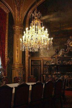 I've always adored an ornate chandelier. Whether in a room equally as ornate or a simple room, the look is gorgeous. Home Interior, Interior Architecture, Interior And Exterior, Interior Decorating, Modern Exterior, Interior Design, Belle Epoque, Louvre Paris, Louvre Palace