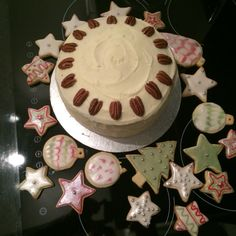 Maple an pecan cake , Christmas cookies