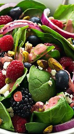 berry pistachio spinach salad with berry vinaigrette | salad, appetizer, side dish recipe