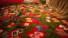 A touring art memorial to missing and murdered indigenous women is drawing big crowds to the Carleton University Art Gallery. Carleton University, Big Crowd, Art Textile, Woman Drawing, First Nations, Native American, Art Gallery, Sisters, Walking