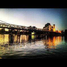 Linda foto de puente, en la ciudad de Waco, TX, EE.UU.