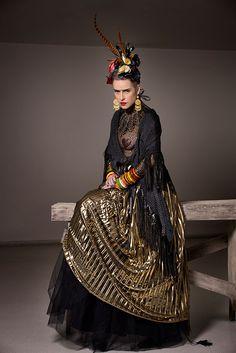 Confere nossa seleção de 16 vezes em que a Frida Kahlo influenciou a moda!