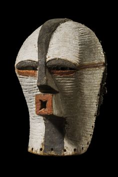 """Maske """"kifwebe"""" D. R. Kongo, Songe Preuss, Darmstadt, Germany H: 32 cm"""