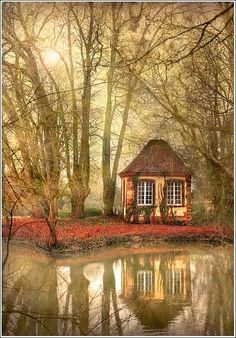 What a cool photo!  I\'d like to hide out in that little house for awhile :-)