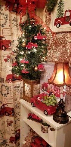 Pretty Christmas Trees, Christmas Red Truck, Christmas Town, Prim Christmas, Christmas Scenes, Country Christmas, Vintage Christmas, Christmas Ideas, Christmas Party Decorations