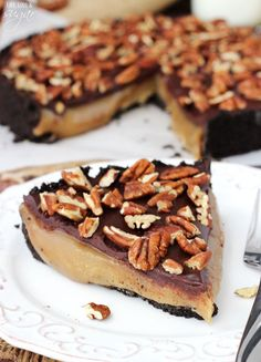 Caramel Turtle Pie - chocolate cookie crust filled with gooey caramel, topped with pecans! So good! | Life, Love & Sugar