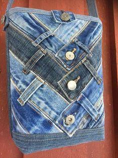 Upcycled Denim Waistbands Bag Kunst ansonsten Handwerk Was ist Kunsthandwe. - Upcycled Denim Waistbands Bag Kunst ansonsten Handwerk Was ist Kunsthandwerk? In dem Allgemei - Jean Crafts, Denim Crafts, Upcycled Crafts, Bag Jeans, Denim Bag, Diy Purse Jeans, Denim Skirt, Diy Kleidung Upcycling, Jean Diy