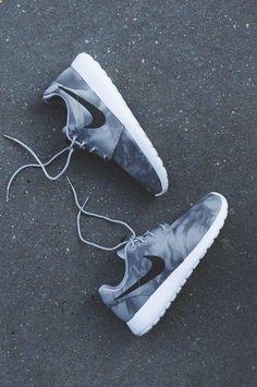 Shoes: nike fade tumblr black fade nike roshe runs grey sneakers nike grey grey off washed sporty