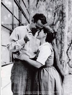 #happyvalentinesday Charles and Ray #Eames outside their home in 1952! @hermanmiller @vitra @vitrahaus @hermanmillerap hermanmillermex  @hermanmillerbr  @spectrumhmi  @hermanmillerjap  @HermanMillerIN